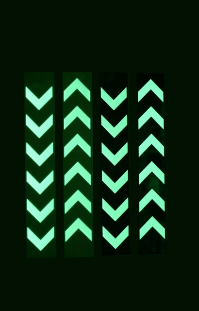 Glow post & rail markers-set i.e. 1 green and 1 white post
